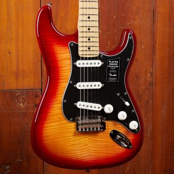 Fender Player Stratocaster Plus  Top SSS