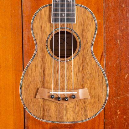 Kauai ST Walnut Soprano