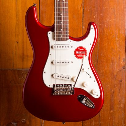 Squier Classic Vibe 1960s Strat Laurel Candy Apple Red