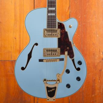 D'Angelico Deluxe 175 Matte Powder blue