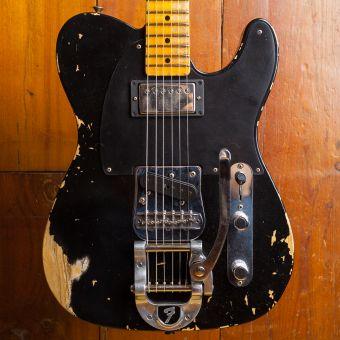Fender CS LTD 1950s Vibra Telecaster Heavy Relic Maple Neck Aged Black