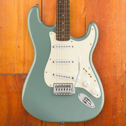 Squier Bullet Stratocaster, Laurel Fingerboard, Sonic Grey