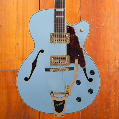 D'Angelico Deluxe 175 Matte Powder blue
