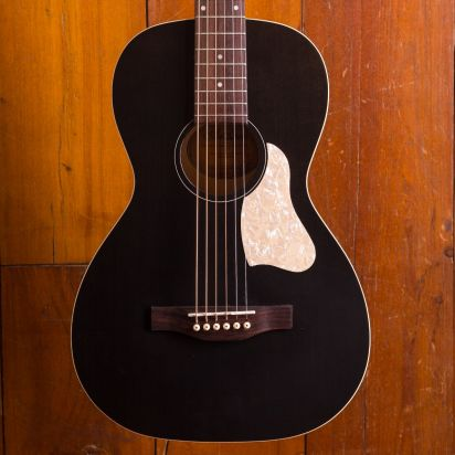 Art & Lutherie Roadhouse Faded Black E/A