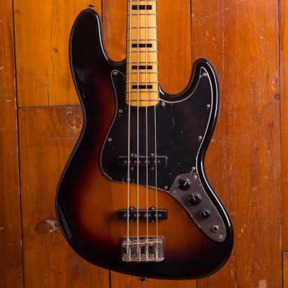 Squier Classic Vibe 1970s Jazz Bass, Maple Neck, 3-Tone-Sunburst
