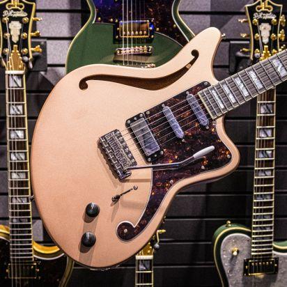 D'Angelico Deluxe Bedford SH LTD Ebony Fingerboard Matte Rose Gold