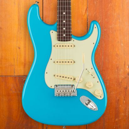 Fender American Professional II Stratocaster Rosewood Fingerboard Miami Blue