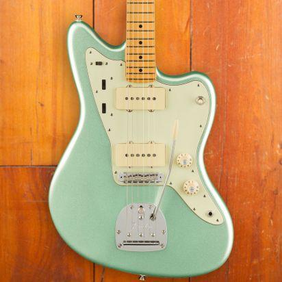 Fender American Professional II Jazzmaster, Maple Neck, Mystic Seafoam Green