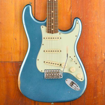 Fender Vintera Road Worn 1960s Stratocaster Pau Ferro Fingerboard Lake Placid Blue