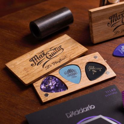 Max Guitar Wooden Plectrum Boxes with Magnetic Lids