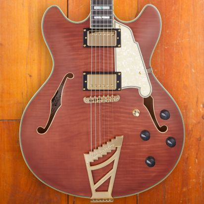 D'Angelico Deluxe DC Limited Edition, Matte Walnut