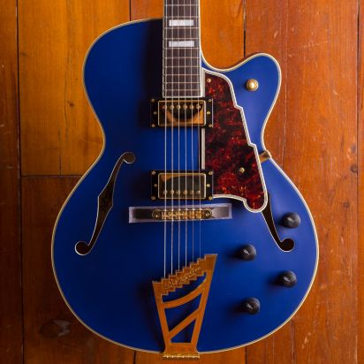 D'Angelico Deluxe DH Matte Royal Blue