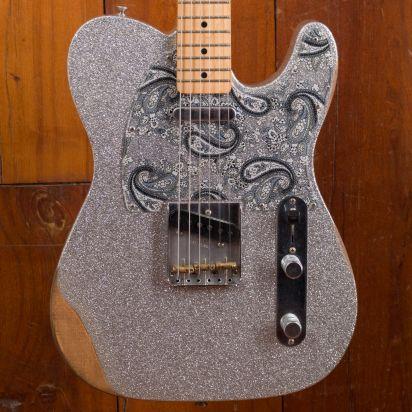 Fender Brad Paisley Roadworn Tele MN SLV