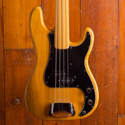Fender 1978 Precision Fretless in very good condition