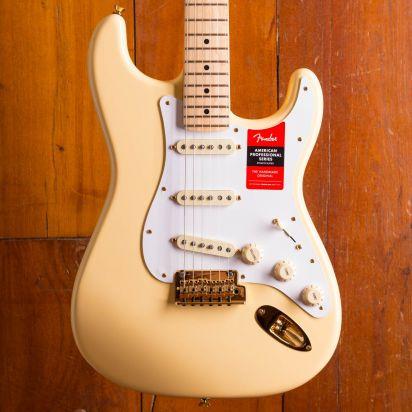 Fender LTD American Professional Stratocaster, Maple neck, Vintage White