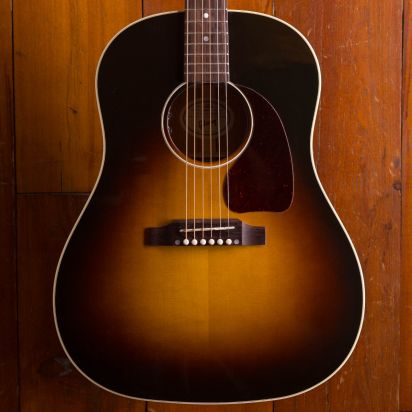 Gibson J-45 VS STANDARD