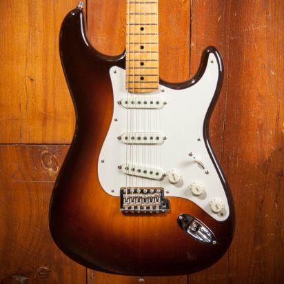 Fender CS Postmodern Strat Maple LCC - Wide fade Chocolate Burst