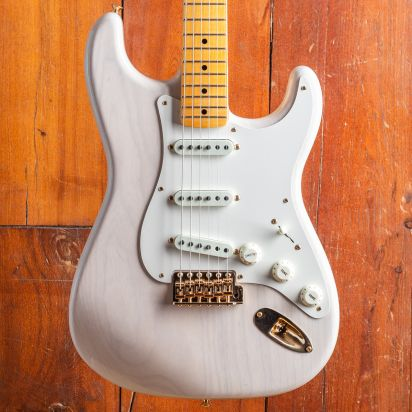 Fender CS Vintage Custom 1957 Stratocaster Mary Kaye