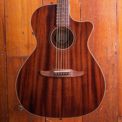 Fender Newporter Special Mahogany Pau Ferro Fingerboard