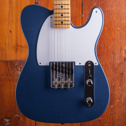 Fender 70th Anniversary Esquire, Maple Neck, Lake Placid Blue