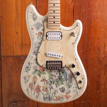 Fender Shawn Mendes Foundation Yellow Floral Musicmaster