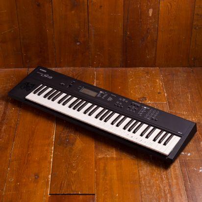 Yamaha S-03 synth