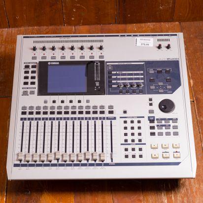 Yamaha AW2400 Mixer