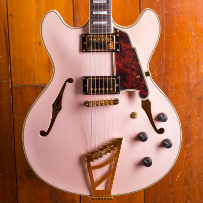 D'Angelico Deluxe DC, Matte Pink