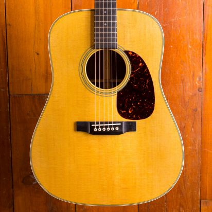 Martin D-28, Dreadnought, All Solid, Spruce, Rosewood, w/case