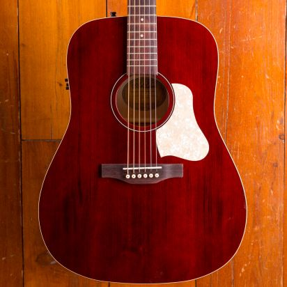 Art & Lutherie Americana Tennessee Red QIT