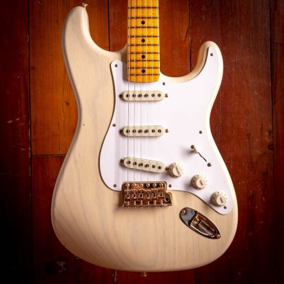 Fender CS NAMM LTD Vintage Custom 1957 Journeyman CC Stratocaster Maple neck Aged Vintage Blond.