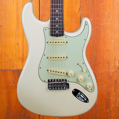 Fender CS 1965 Stratocaster Journeyman Relic Olympic White